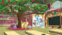Applejack bucks a single apple BGES1