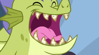 Close-up on Sludge's rotten teeth S8E24