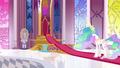 Princess Celestia levitating the glass protecting a crystal S3E01.png