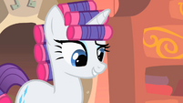 Rarity wearing curlers S1E08