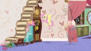 S07E12 Fluttershy tworzy schody donikąd