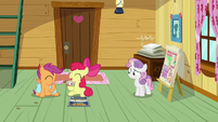 Sweetie Belle watching her friends laugh S9E22