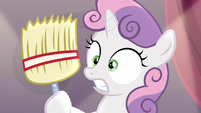 Sweetie surprised at holding a broom S5E4