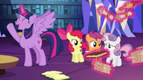 Twilight Sparkle --a full-scale research project!-- S6E19