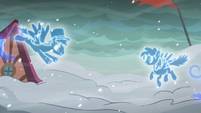 Two phantom ponies meet S06E08