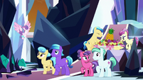 Crystal Ponies freed from Sombra's control S9E1