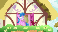 Living apple appears before unnamed mare S9E23