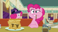 Pinkie clone in the adjacent diner booth S6E9