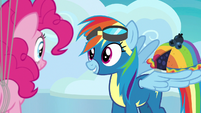 Rainbow Dash holds blueberry pie on her wing S7E23