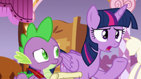 Twilight Sparkle --that doesn't sound like Applejack-- S6E22