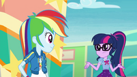 Twilight shrugging at Rainbow Dash EGROF