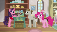 Pinkie Pie -whatcha doin'-- S8E3