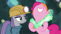Pinkie Pie holding a crystal check mark S7E4