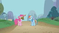 Rainbow Dash introduces Pinkie Pie S1E05