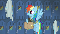 Rainbow picks up her bags again embarrassed S6E24