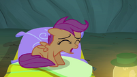 Scootaloo 'I'm falling asleep' S3E06