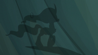 Shadow puppet of Mistmane walking S7E16