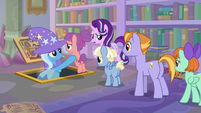 Starlight and Trixie guide students to safety S9E24