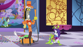 Discord with a vacuum cleaner S3E7.png