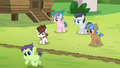 Green camper colt crosses the dividing line S7E21.png