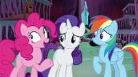 Pinkie Pie -or a secret button- S8E26