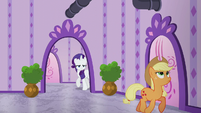 Rarity follows Applejack while annoyed S6E10