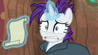 Rarity looking extra distressed S7E19