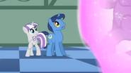 S01E23 Zaniepokojone spojrzenia rodziców Twilight