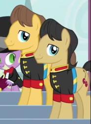 Strażnicy mundury galowe