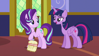 "Twilight Sparkle ""didn't I see you sewing with Rarity?"" S6E21"