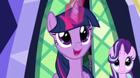 Twilight Sparkle using her magic S7E14