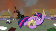 Twilight and Owlowiscious sad S4E26