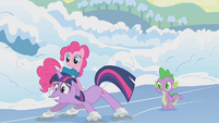 Twilight sliding on the ice S1E11
