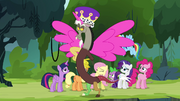 Discord dressed as an Alicorn S4E25