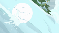 Giant snowball rolls down the mountain S9E8