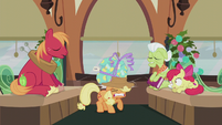 Pinkie's present hits Applejack on the head S5E20