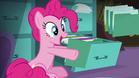 Pinkie Pie finds Maud Pie's party file S8E3