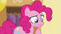 Pinkie looks at the paper S5E19
