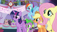 Pinkie runs off while others listen to Rarity S5E14