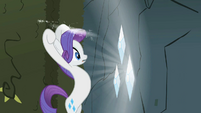 Rarity attacking gems S2E1