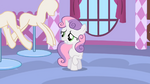 Sweetie Belle watching the hurrying Rarity S1E17