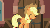 Applejack feeling defeated S5E16