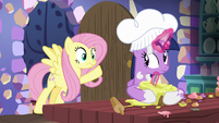 Fluttershy finds Twilight Sparkle baking S7E20