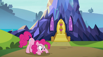 "Pinkie Pie ""buried itself in the ground"" S7E4"