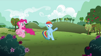 Pinkie Pie 'Gotta go!' S3E3