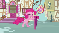 Pinkie Pie closes the mailbox S3E07
