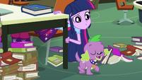 Spike tem uma idea EG