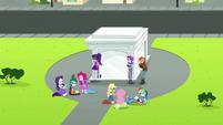 Starlight, Juniper, and Mane Seven around the portal EGS3