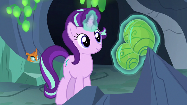 File:Starlight Glimmer levitating changeling eggs S7E1.png