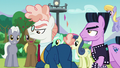 Svengallop demands ponies to clear the way S5E24.png